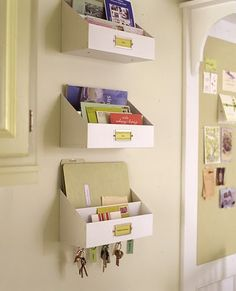 A bowl full of lemons.: Day ~ Getting Organized Challenge (The mail station) Home Office Organization, Organization Hacks, Organizing Ideas, Organizing Bills, Mail Station, Diy Casa, Ideas Para Organizar, Ideas Geniales, Wall Spaces