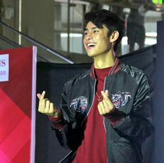 oppa q donny Donny Pangilinan Wallpaper, Dont Love Me, Dream Guy, Baby Love, Crushes, Bomber Jacket, Celebrities, Boys, Fictional Characters