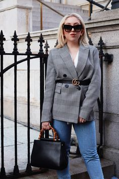 Belt Over Blazer Outfit - Lily Like Blazer Outfits, Boho Outfits, Trendy Outfits, Fall Outfits, Fashion Outfits, Street Style Trends, Casual Street Style, Skirt And Sneakers, Checked Blazer