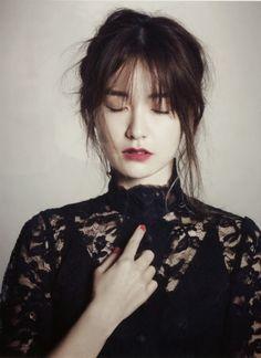Jeong Yu-mi (정유미) - Picture @ HanCinema :: The Korean Movie and Drama Database Song Hye Kyo, Asian Woman, Asian Girl, Korean Fashionista, Women Life, Korean Actresses, Up Styles, Hair Styles, Photography Women