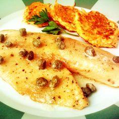 Filé de peixe à Belle Meunière (empanado com molho de manteiga e alcaparras)