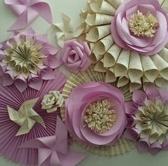 Paper flowers Large Paper Flowers, Tissue Paper Flowers, Paper Flower Backdrop, Giant Paper Flowers, Paper Roses, Diy Flowers, Fabric Flowers, Paper Crafts, Diy Crafts