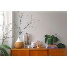 Desert grey (flugger) Vase, Home Decor, Living Room, Decoration Home, Room Decor, Vases, Home Interior Design, Home Decoration, Interior Design