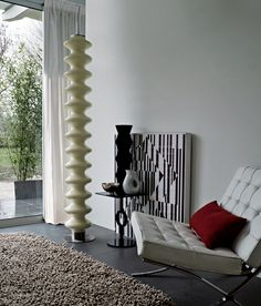 The Heat is On: Tubes turns up the dial with its architectural radiators Home Interior Design, Interior Architecture, Low Chair, Space Dividers, The Home Edit, Artistic Installation, Magazine Design, Color Themes, Decoration