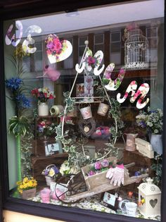 S day window display displays in 2019 день матери, витрина, окн Spring Window Display, Window Display Retail, Deco Floral, Arte Floral, Décoration New York, Canada Winter, Store Front Windows, Retail Windows, Design Patio