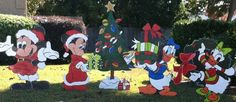 Christmas Mickey / Minnie / Daisy Duck / Donald Duck Set of 5 pcs. Holiday Wooden  Yard Art