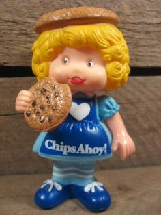 I had this doll and the fig newton one.. I think I remember them smelling kinda like cookies. Loved them!