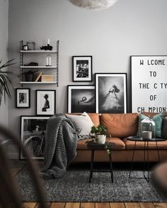 Find your favorite Minimalist living room photos here. Browse through images of inspiring Minimalist living room ideas to create your perfect home. home decor lighting Creating More Spacious and Alive Living Room by Minimalist Design - Samoreals Living Room Interior, Home Interior Design, Interior Ideas, Modern Interior, Cosy Interior, Interior Livingroom, Design Interiors, Living Room Designs, Living Spaces
