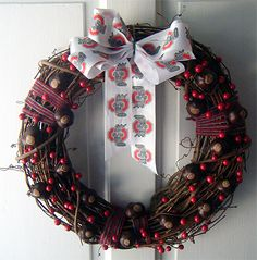 Two Bites at the Cherry: Crafts, Food and Literature.: Ohio State Wreath - DIY for football lovers:
