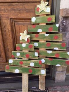Pallet Christmas Tree - Christmas Tree - Rustic Decor - Holiday Decorations - Gifts for her - Holiday Gifts - Outdoor Decor - Glitter Pallet Projects Christmas, Pallet Christmas Tree, Christmas Tree Design, Christmas Porch, Outdoor Christmas Decorations, Rustic Christmas, Christmas Time, Christmas Tree Crafts, Elegant Christmas