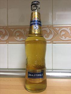Baltika 5, cerveza rubia rusa. Beer Bottle, Drinks, World, Beer, Drinking, Beverages, Drink, Beverage