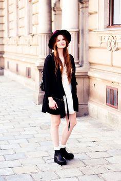 Romwe Black Oversized Cardi, Vagabond Black Heels, Urban Outfitters White Lace Dress