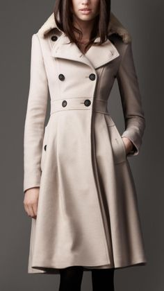 Burberry Beige Fur Collar Full Skirt Coat