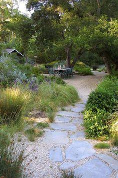 120 stunning romantic backyard garden ideas on a budge Gravel Walkway, Backyard Walkway, Backyard Landscaping, Landscaping Ideas, Flagstone Path, Patio Stone, Backyard Ideas, Decomposed Granite Patio, Inexpensive Landscaping