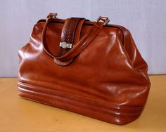 "SZ"" ""Lady Monica"" Bowler Bag City Bag Vintage Beauty Case Brown Leather Carry-All Bag Borsa Bauletto Donna Vintage Marrone/Cuoio-Monomanico di BeHappieWorld su Etsy"