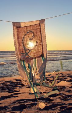 WELCOME The August 19th - Day of Hope Prayer Flag Project is a profoundly moving, poignant and healing event that was created to help inspire people who have experienced the death of a baby or chil...
