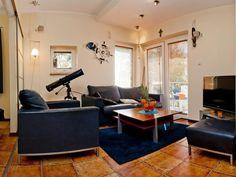 Bezpośredni odnośnik do obrazka Conference Room, Table, Furniture, Home Decor, Decoration Home, Room Decor, Tables, Home Furnishings, Home Interior Design