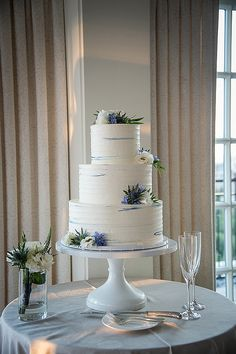 White Wedding Cakes White buttercream wedding cake with blue accents - White buttercream wedding cakes from 2017 weddings in the Washington DC area by top DC wedding planner Bellwether Events Floral Wedding Cakes, Fall Wedding Cakes, White Wedding Cakes, Beautiful Wedding Cakes, Wedding Cupcakes, Wedding White, Gold Wedding, Floral Cake, Wedding Cake With Topper
