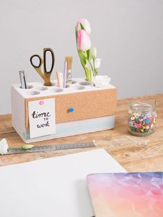 DIY instructions: pencil holder with pinboard tinker via … - Fashion Ideas Teen Homemade, Rose Pastel, Pencil Holder, Diy For Teens, Diy Tutorial, Diy Room Decor, Diy And Crafts, Stationery, Etsy