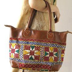 インド刺繍のレザートートバッグ - アジアン衣料・アジアン雑貨のRisi e bisi(リジェビジ)