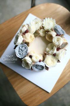퓨어한 느낌의 화이트 꽃케이크 - 킹프로테아 [플라워케이크] : 네이버 블로그
