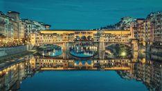 Florença (em italiano: Firenze e em latim: Florentia) é a capital e maior cidade da região da Toscana, na Itália, e da província homônima, com cerca de 371.060 habitantes. É considerada a capital da Renascença italiana.