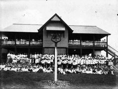 Hall State School in Rockhampton, Qld, 1915 State School, School Days, History Teachers, Tasmania, Colleges, Historical Sites, Libraries, Museums, Old Photos