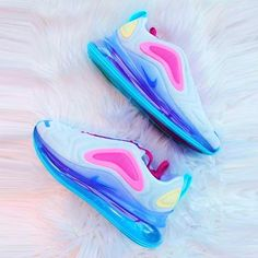 Nike Shoes OFF! Cute Nike Shoes, Nike Air Shoes, Cute Sneakers, Nike Free Shoes, Sneakers Nike, Cute Nikes, Vintage Louis Vuitton, Louis Vuitton Shoes, Burberry