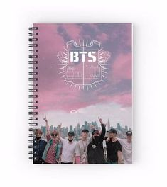Read ✨ ARMY ✨ from the story BTS Curiosidades 2 -HM by hopi_min (彡지민정국彡) with reads. Mochila Kpop, Mochila Do Bts, Bts Backpack, Bts School, Bts Bag, Bts Shirt, Bts Clothing, Black Panther Party, Bts Inspired Outfits