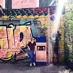 Tu sais que tu es à Berlin quand... (ça désigne les pschiiits des tags ça **ouais j'ai sacrément de l' imagination** ) #berlin #berlinadress #urbanspree #mimienvadrouilleaberlin #instaberlin