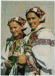 Polomka Horehronie Slovakia Folk Costume, Costumes, Folk Clothing, Folk Embroidery, Czech Republic, Culture, Ethnic, Europe, Technology