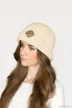 Great Gatsby Crochet Cloche Hat Pattern This image courtesy of hopefulhoney.com  Take a trip back in time with this Great Gatsby Cloche Hat Pattern. If you like to make free crochet hat patterns but are bored with the same old look, this is a fun way to try something new. This pattern is warm and cute, making it perfect for the winter. Channel the glitz and glam of the flapp