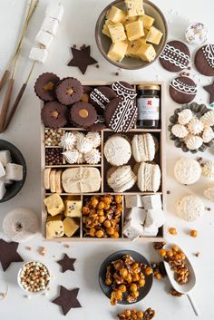 The Ultimate Vanilla Bean Christmas Box. All of the christmas treats for your recipe planning for this upcoming holiday season! Chocolate Shortbread cookies with Vanilla bean Dulce de Leche filling, v Christmas Cookie Boxes, Christmas Food Treats, Christmas Sweets, Holiday Cookies, Holiday Treats, Holiday Recipes, Christmas Biscuits, Christmas Holiday, Dessert Boxes