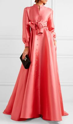 Signature Alexis Mabille: The Dress Every Woman Should Own Suit Fashion, Modest Fashion, Fashion Dresses, Elegant Dresses For Women, Nice Dresses, Summer Dresses, Sleeves Designs For Dresses, Gowns With Sleeves, Chic Dress
