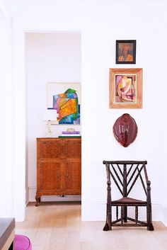 Exclusive: Tour Country Star Darius Rucker's Charming Charleston Home// tortoise shell, moment, vignette