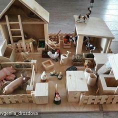 @Regrann from @evgeniia_drozdova -  Распаковали новую ферму от @wooden_farm . Наверное это лучший подарок, парни сидят уже второй час)) и старший с ними. Идея👍 Еще бы зоопарк такой😊 Спасибо!!! #Regrann