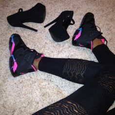 2014 cheap nike shoes for sale info collection off big discount.New nike roshe run,lebron james shoes,authentic jordans and nike foamposites 2014 online. Black Jordans, Nike Air Jordans, Girl Jordans, Retro Jordans, Womens Jordans, Jordan Shoes Girls, Girls Shoes, Ladies Shoes, Crazy Shoes