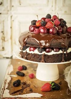 Red fruits and chocolate cake