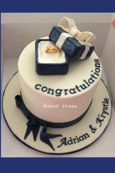 Engagement congrats to a happy couple…little cake with hand made ring box, given to a special couple. Engagement Cake Images, Engagement Cake Decorations, Engagement Cake Design, Engagement Cakes, Anniversary Cupcakes, Wedding Anniversary Cakes, Congratulations Cake, Present Cake, Ring Cake