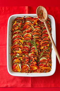 Ratatouille á la Remy von Callista Grilling Recipes, Raw Food Recipes, Veggie Recipes, Healthy Dinner Recipes, Snack Recipes, Vegan Food, Patty Melt Recipe, Smoked Beef Brisket, Gastronomia