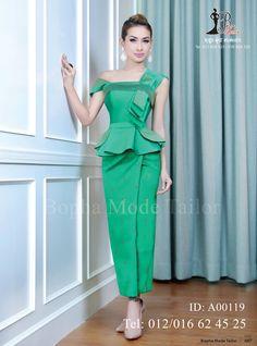 Traditional Skirts, Myanmar Traditional Dress, Traditional Outfits, Royal Dresses, Cute Dresses, African Lace Styles, Kente Styles, Batik Fashion, Batik Dress