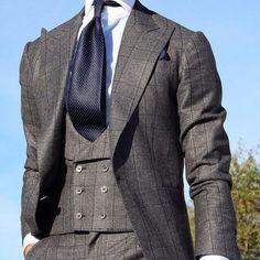 Look by @tomaslasoargos @absolutebespoke @mnswrmagazine  Chaque Three-piece Suit