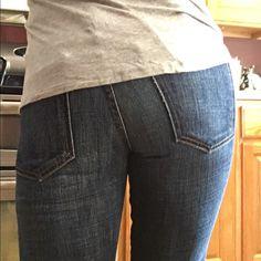 Current Elliot jeans! Current Elliot Jeans! Straight leg. Inseam is 31. Size 26 Current/Elliott Jeans Straight Leg