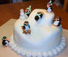 My Cake Hobby: Penguin cake Christmas Cake Designs, Christmas Cake Decorations, Christmas Desserts, Christmas Baking, Preschool Christmas, Christmas Cakes, Christmas Ideas, Tortas Light, Gateau Cake