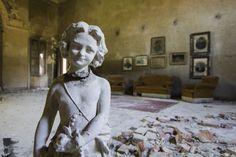 https://flic.kr/p/YUXmYA | Home alone. | Castello dell' Artista