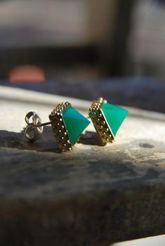 Granulated Pyramid Earrings