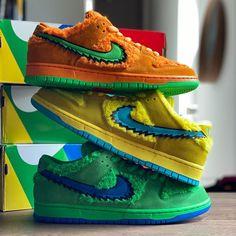 Michael Jordan Sneakers, Shoes Wallpaper, Orange Shoes, Nike Sb Dunks, Nike Cortez, Beautiful Shoes, Nike Air Force, Air Jordans, Kicks
