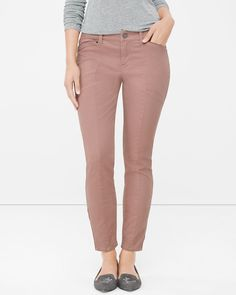 Washed Mauve Skimmer Jeans White House Black Market - sustainable and fair labor practices Pink Jeans Outfit, Colored Jeans Outfits, Jean Outfits, Clothes For Sale, Clothes For Women, Curvy Jeans, Curvy Fit, Mauve, Casual Looks