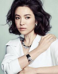 Song Hye Kyo is an elegant 'Princess' for 'J.ESTINA'  