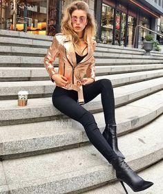 "880 curtidas, 7 comentários - 5 (@high_5_to_fashion) no Instagram: ""Inspo via @style__revolution 📸by @ozgebeykoylu - 💥⭐️ For shopping link in bio #fashion…"""